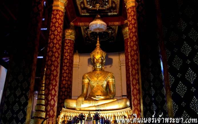 วัดหน้าพระเมรุ เป็นวัดที่ยังคงสภาพเดิม เพราะพม่าใช้เป็นที่ตั้งกองบัญชาการ จึงมิได้ถูกเผาทำลาย ณ วัดนี้มีพระประธานเป็นพระพุทธรูปทรงเครื่องกษัตริย์งดงาม และพระพุทธรูปแกะสลักจากหินเขียวอายุนับพันปี ซึ่งทั้งสององค์นี้นับเป็นศิลปะที่ล้ำค่า