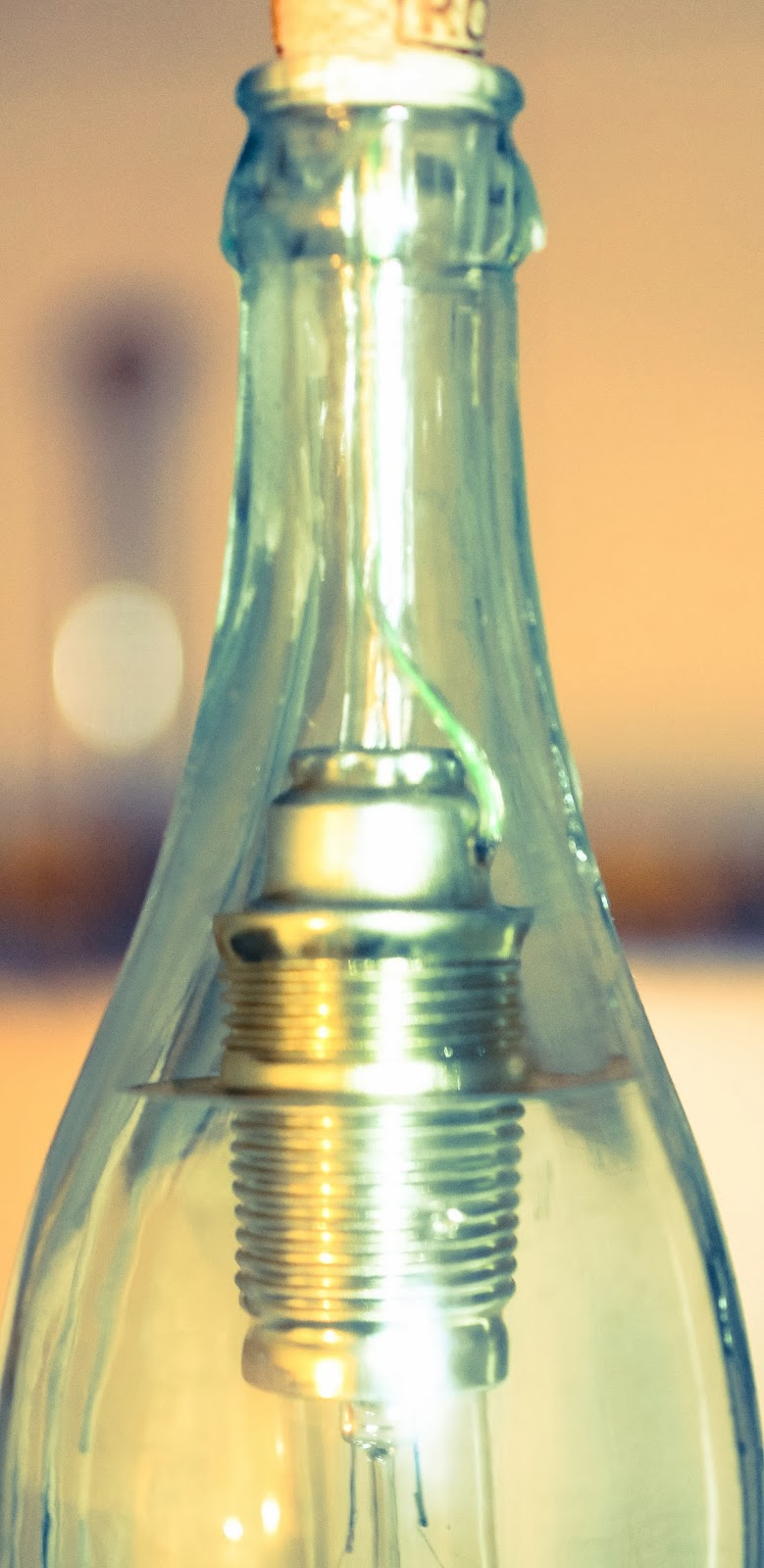 wildkind glas eine lampe aus altglas. Black Bedroom Furniture Sets. Home Design Ideas