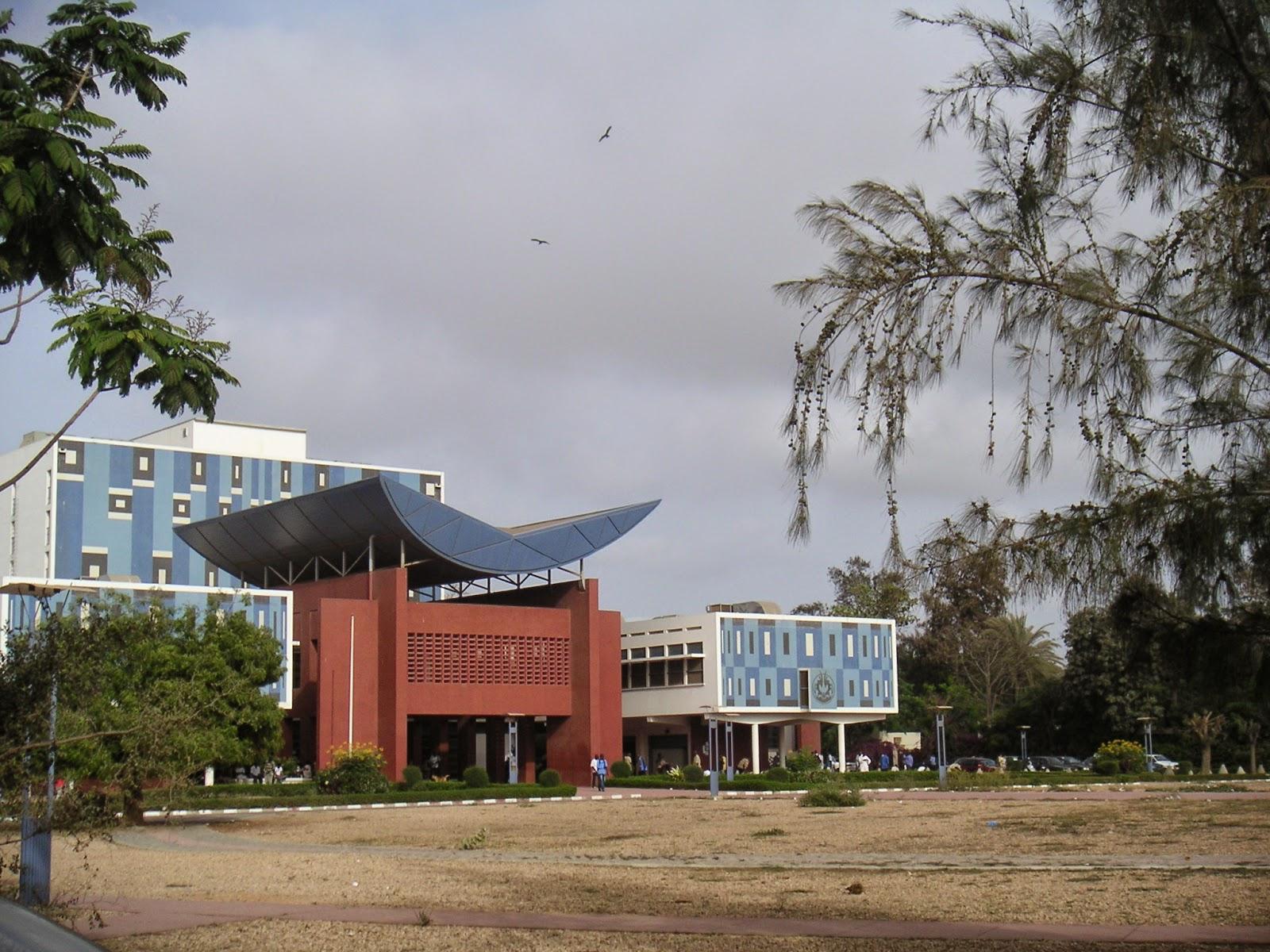 Francophonie, éditeurs, libraires à Dakar: melting pot