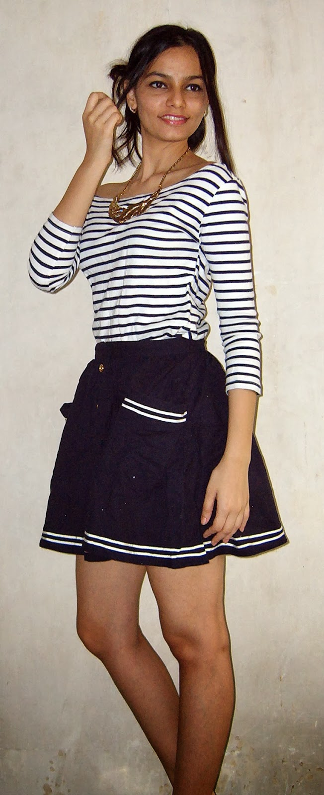 mumbai streetstyle, indian fashion blogger, nautical look, stripes and navy, navy blue look, look for less, what to buy in mumbai, street shopping