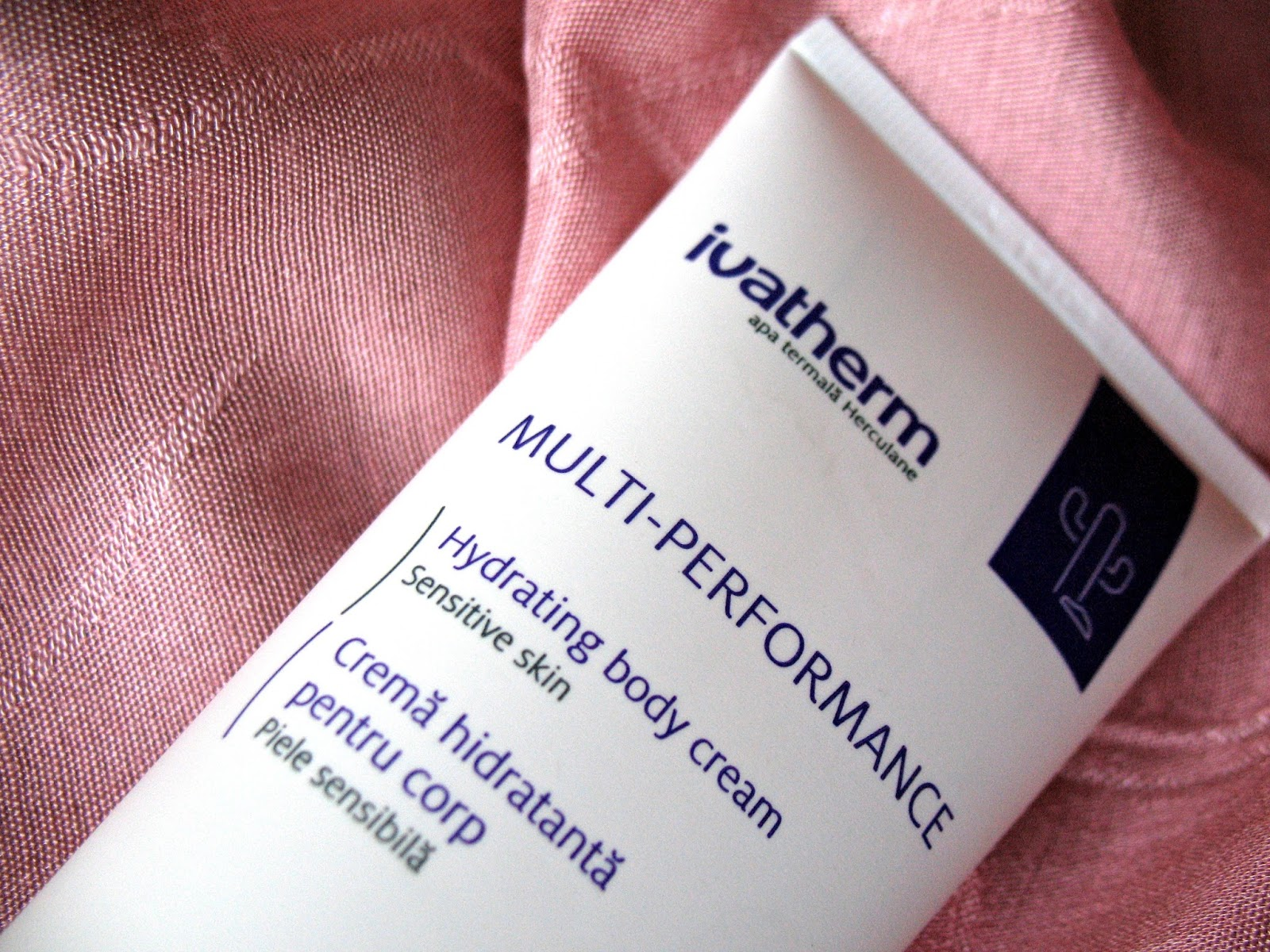 Ivatherm_Multi-Performance_crema_hidratanta_pentru_corp_review_romanian_beauty_blogger_02