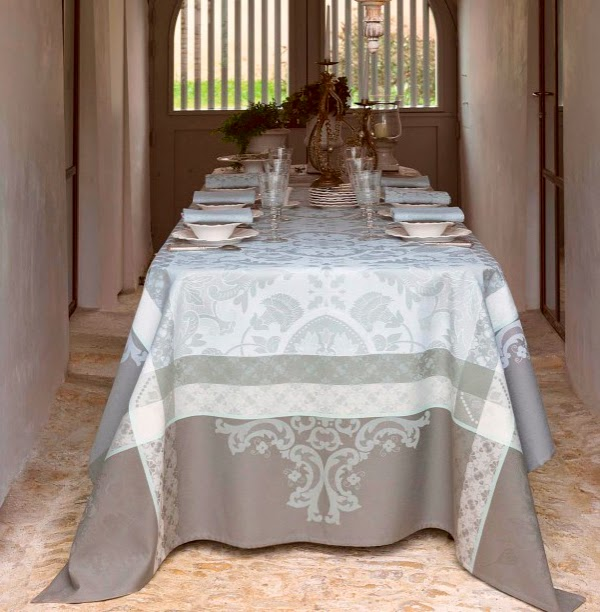 Azulejos ciment Le Jacquard Francais. Mantel, camino de mesa y servilletas