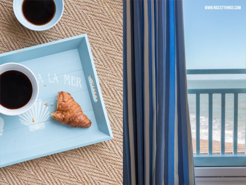 Bols de Café Weiß Hellblau Frühstück am Meer Kaffee Croissant