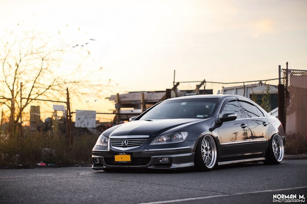 Acura RL, badass, typowa Honda, japońskie sedany, ciekawe rodzinne auta, gleba, obniżona, niskie zawieszenie, przód, jak wygląda