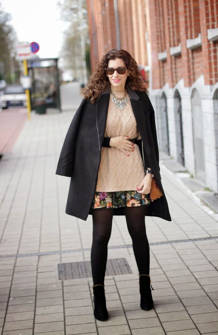 http://www.inlovewith-fashion.com/2014/02/the-perfect-black-coat.html