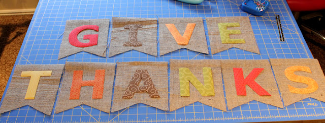 burlap thanksgiving banner tutorial