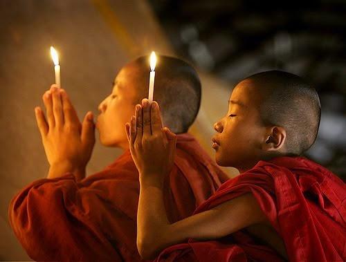 Budismo induismo Hare krishna dieta vegetariana rezando