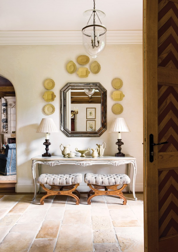 decor foyer Gray : ... gray-console-table-gray-mirror-dishes-on-wall-decor-griege-decorating