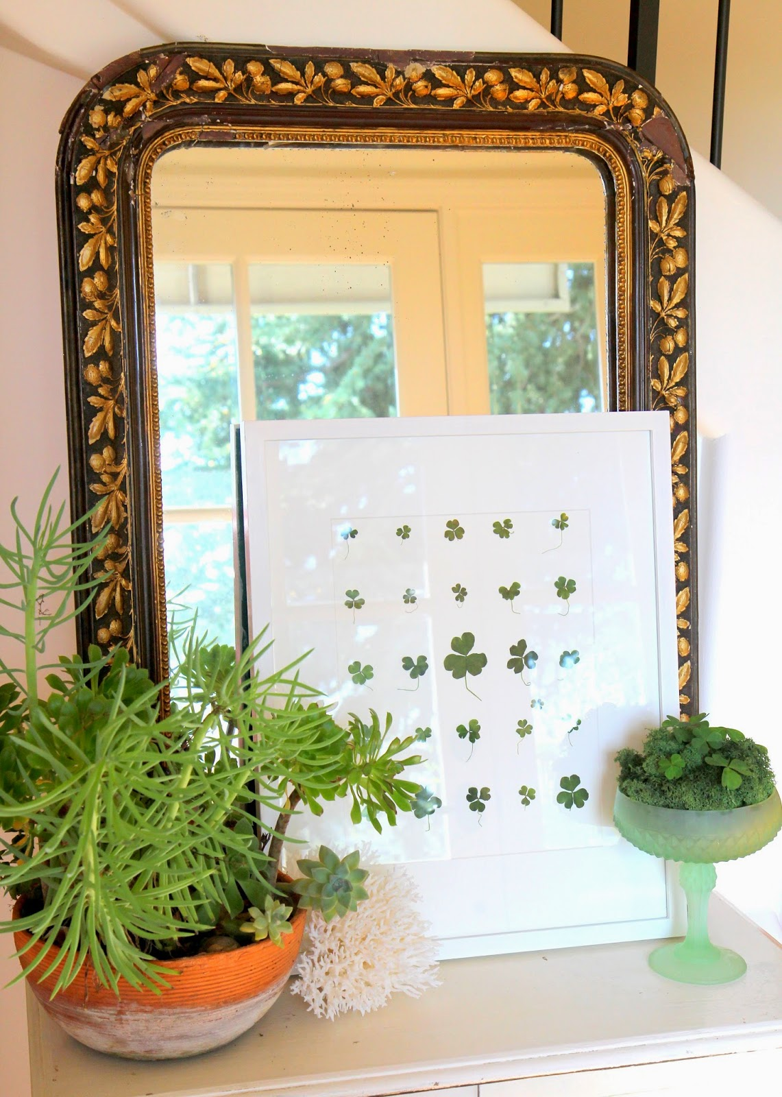 St. Patrick's Day Home Decor with Shamrocks!