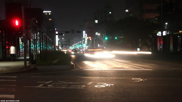 Un cruce de Seúl de noche