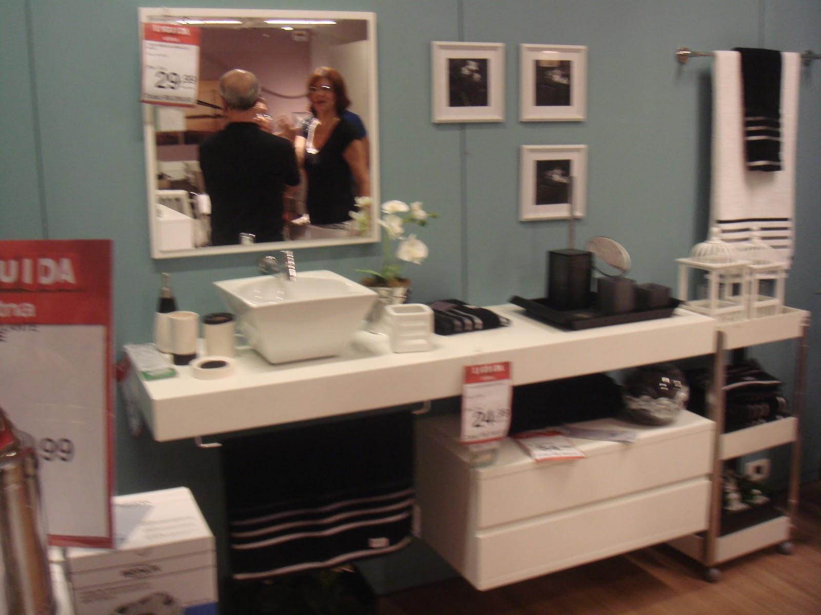 Banheiro feminino super romântico e outra vez o rosa antigo dá o  #8C6340 1600x1200 Banheiro Antigo Azul