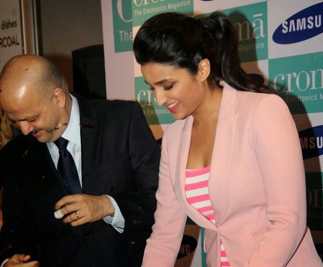 Parineeti Chopra at Samsung Galaxy Note 3 Launch