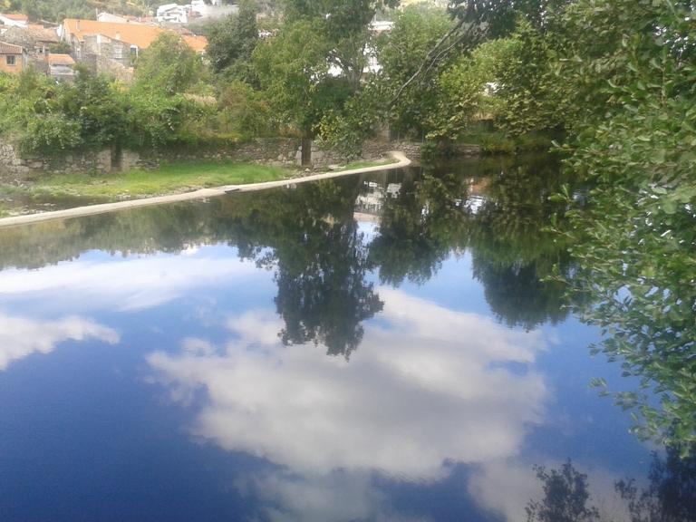 Espelho de água do Rio Alva