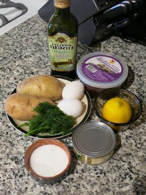Как сделать салат из тунца консервированного фото 236