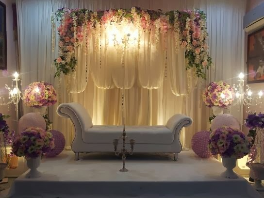 Mentari kreatif melaka one stop wedding centre white pelamin couch and pink flowers junglespirit Images
