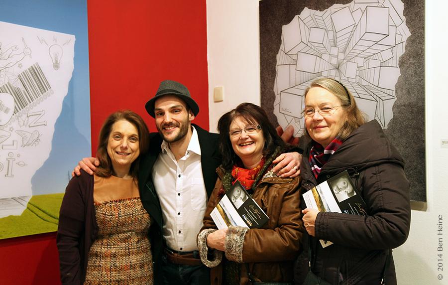 Artiste Ben Heine durant une exposition à Bruxelles