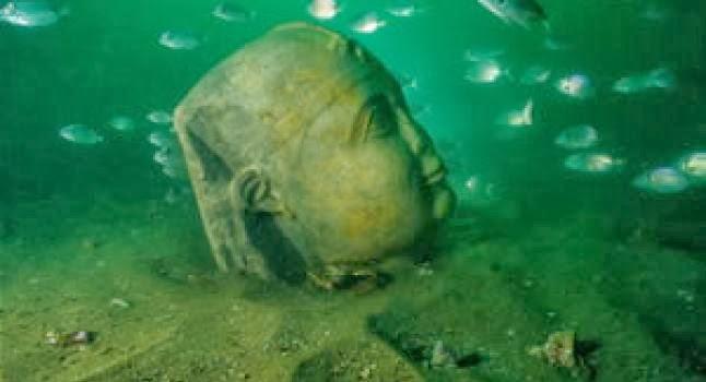 ¿Por qué se hundió la ciudad de Heraclion ?