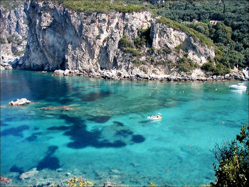 Corfu style my beach for Allergia al cloro delle piscine
