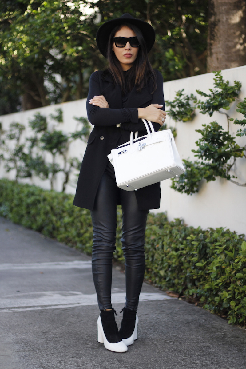 all black white bag outfit