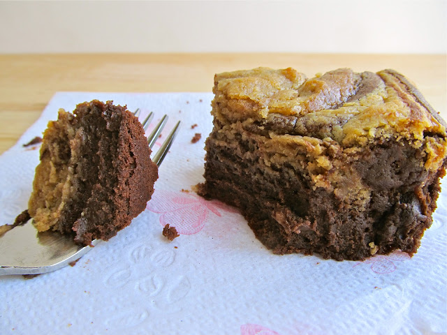Mary Quite Contrary Bakes: Peanut Butter Cheesecake Swirl Brownies
