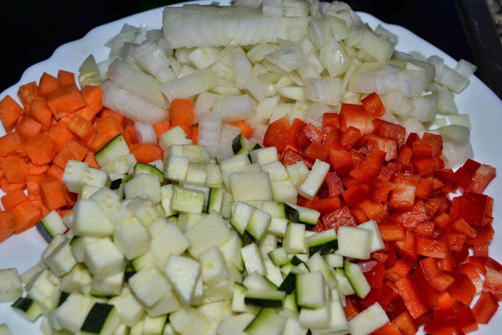 pisto, verduras cortadas