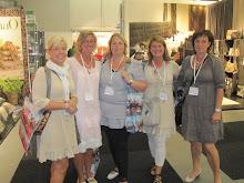 Fem glada tjejer från Krhmn på Formex ht-11...