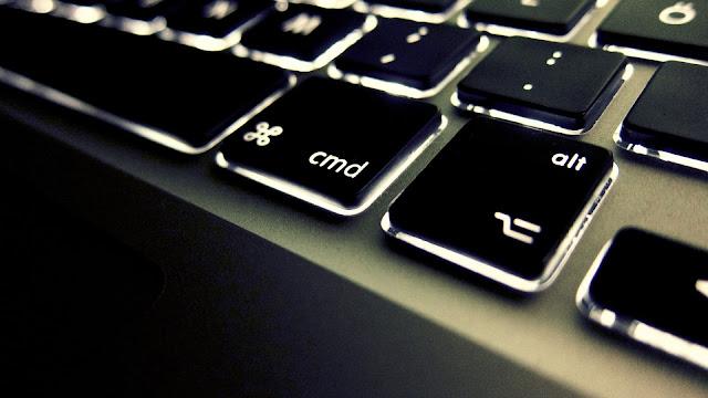 HD Backlit Keyboard Wallpaper