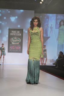 Sonam Kapoor in Beautiful Lemon Colored Sleeveless Gown at Signature Fashion Week 2013