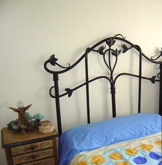 Dise os de camas de hierro forjado para dormitorios - Disenos de camas juveniles ...