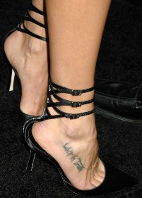 Brooke Burns Toe Cleavage and Feet