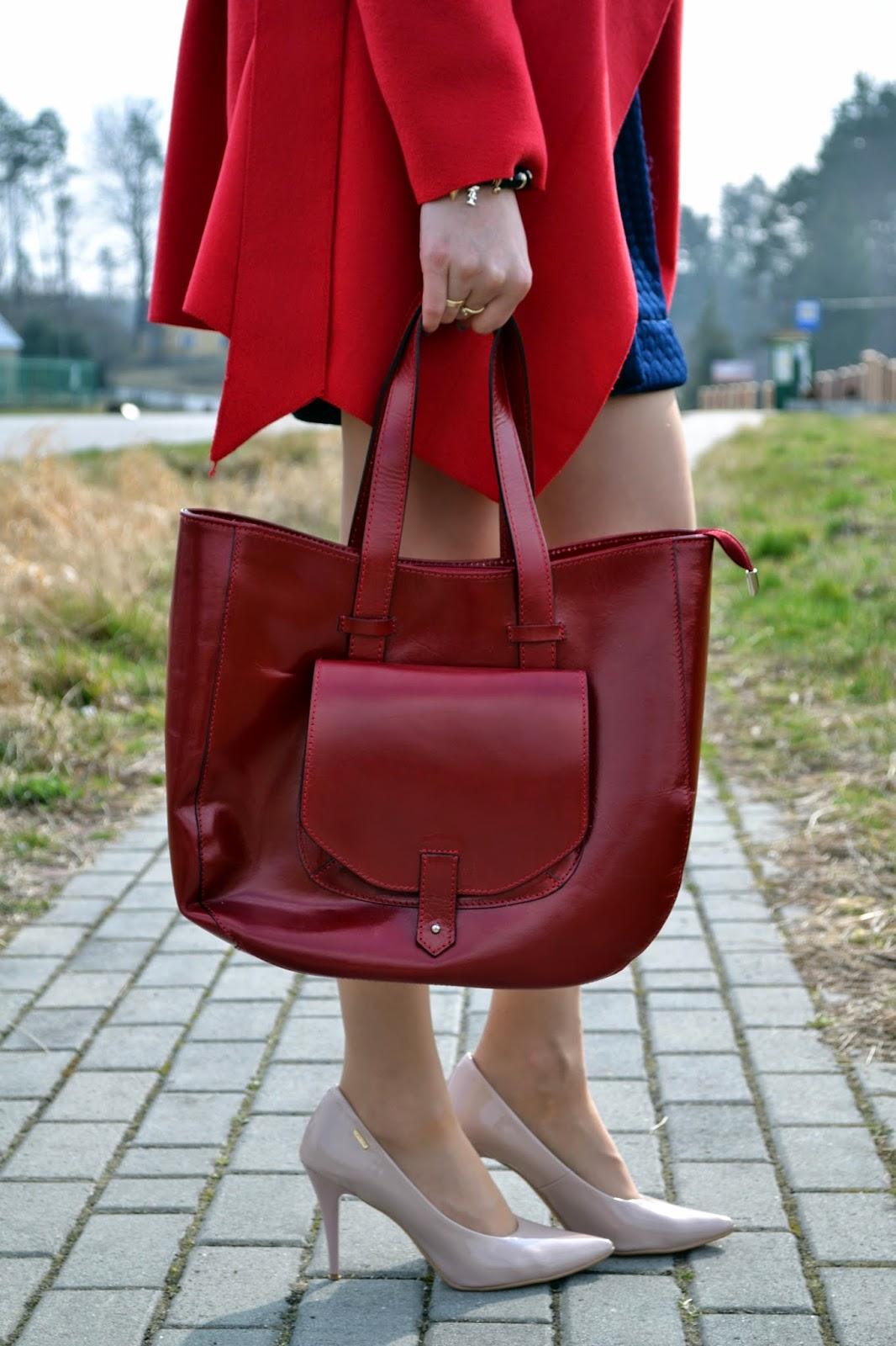 pastelowe szpilki, lakierowane czółenka, seksowne szpilki,czerwona torebka,, eleganckie półbuty, różowe buty, czerwona skórzana torebka,