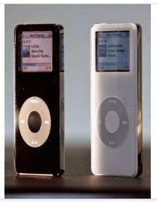 Το νέο iPod Nano παρουσιάστηκε κατά τη διάρκεια της συνέντευξης Τύπου της Apple το Σεπτέμβριο του 2005.