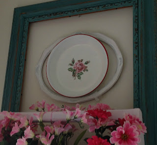 how to decorate with plates
