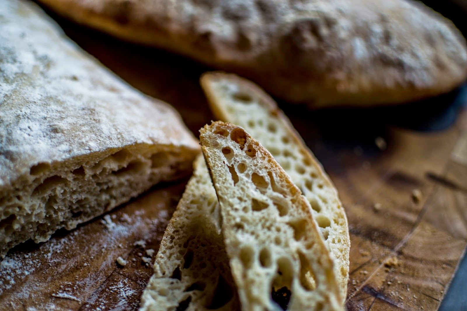how to eat ciabatta bread