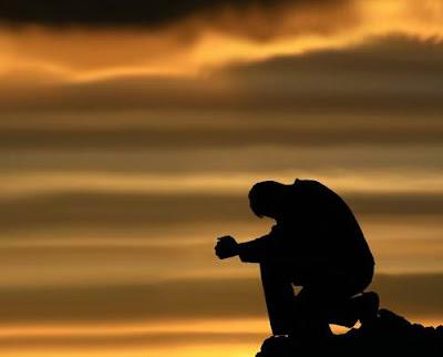 Gambar Foto Orang Sedih Galau Kecewa Patah Hati