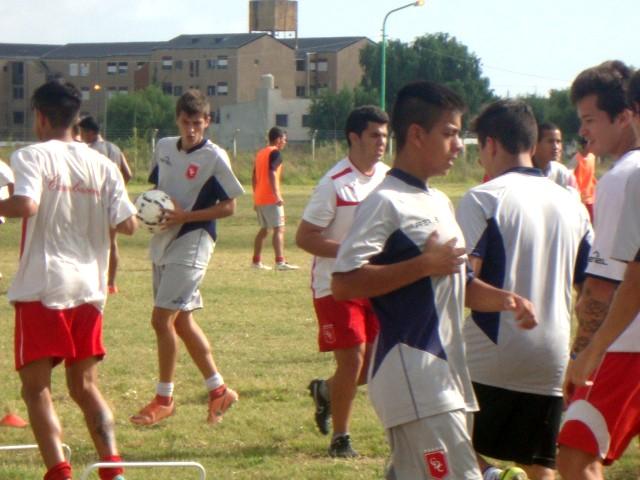 La Coordinación de Fútbol Juvenil del club Defensores de Cambaceres  realizará los días 2 y 3 de diciembre 059ca2afc975c