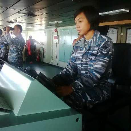 TNI Cantik Nakhoda Kapal Perang KRI Banda Aceh