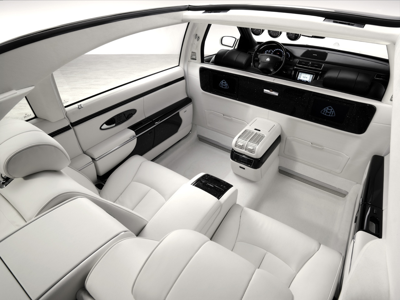Maybach rewiew usa news for automotive cars automotive cars for Interior site