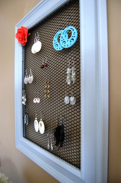 DIY: Jewelry Organization