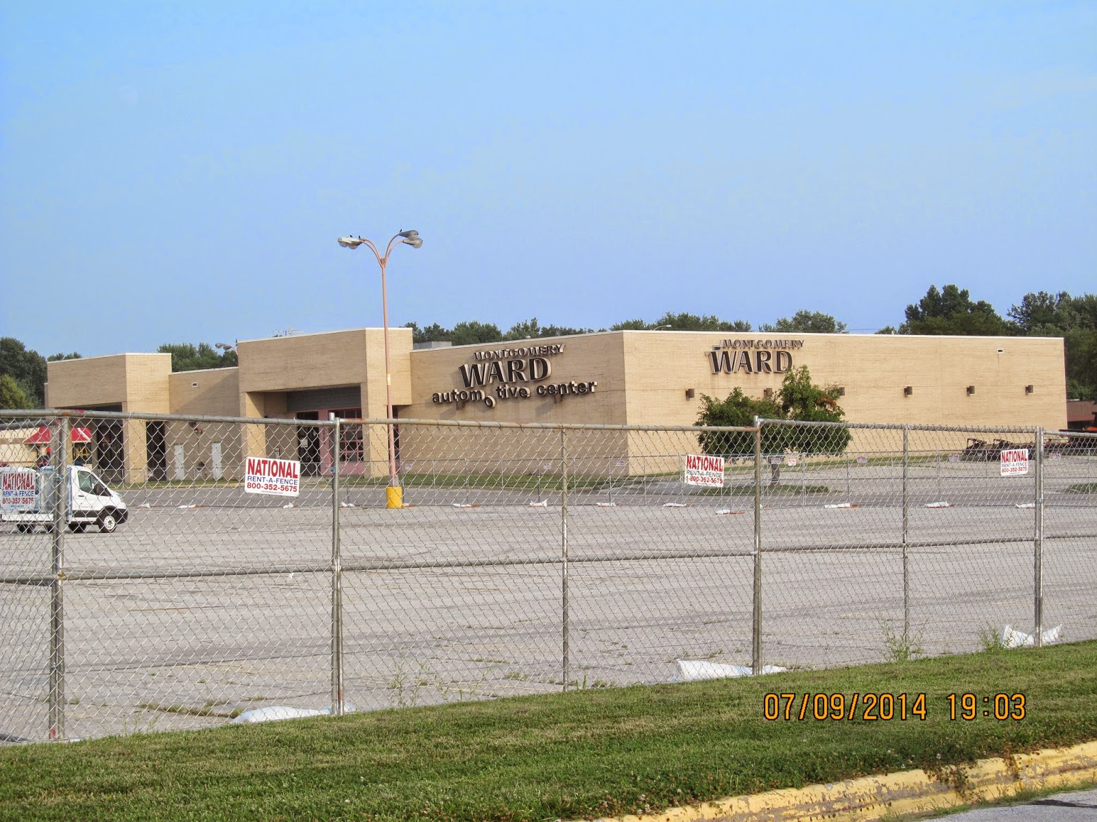 Trip to the Mall: Metro North Mall- (Kansas City, MO)