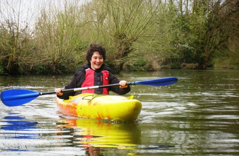 Lola II, kayaking