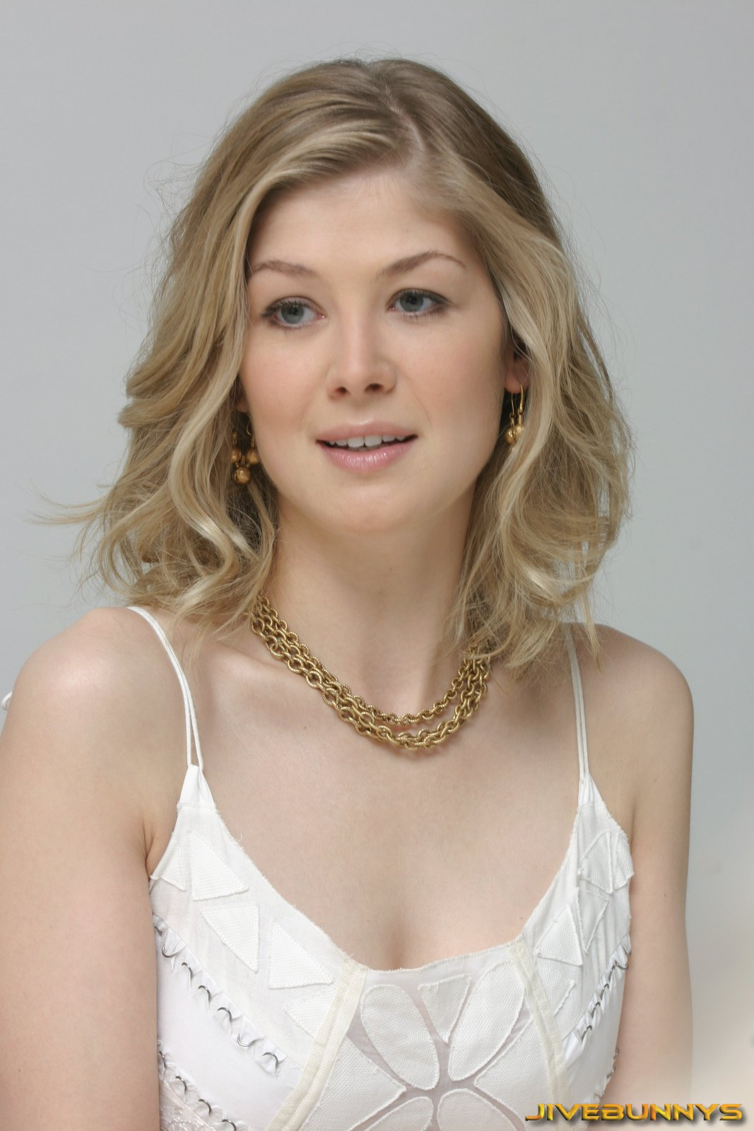 Special T Si >> Film Actresses: Rosamund Pike special pictures (16)