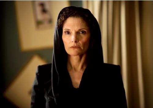 Kelly Burkhardt (Mary Elizabeth Mastrontonio)