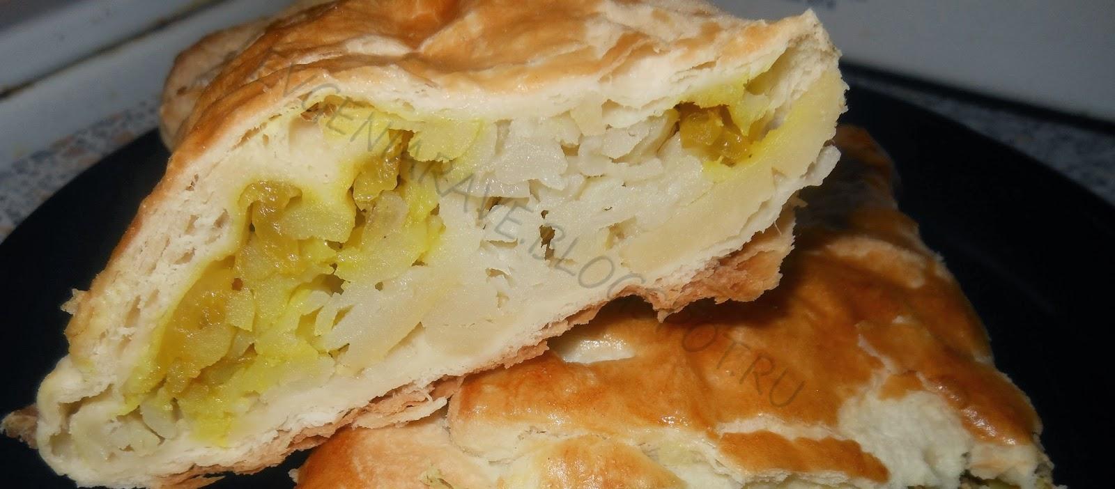 пироги, пироги из слоеного теста, из чего быстро приготовить начинку для пирога, пироги с рыбными консервами, пироги с картошкой, слойки