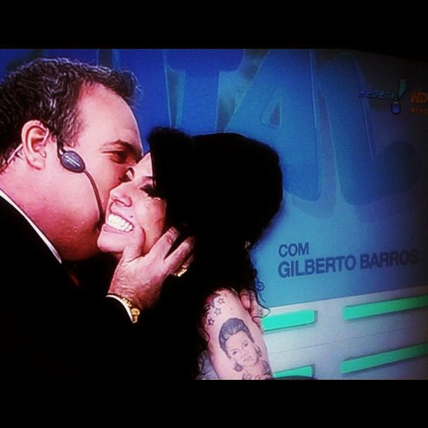 Sósia Amy Winehouse com Gilberto Barros