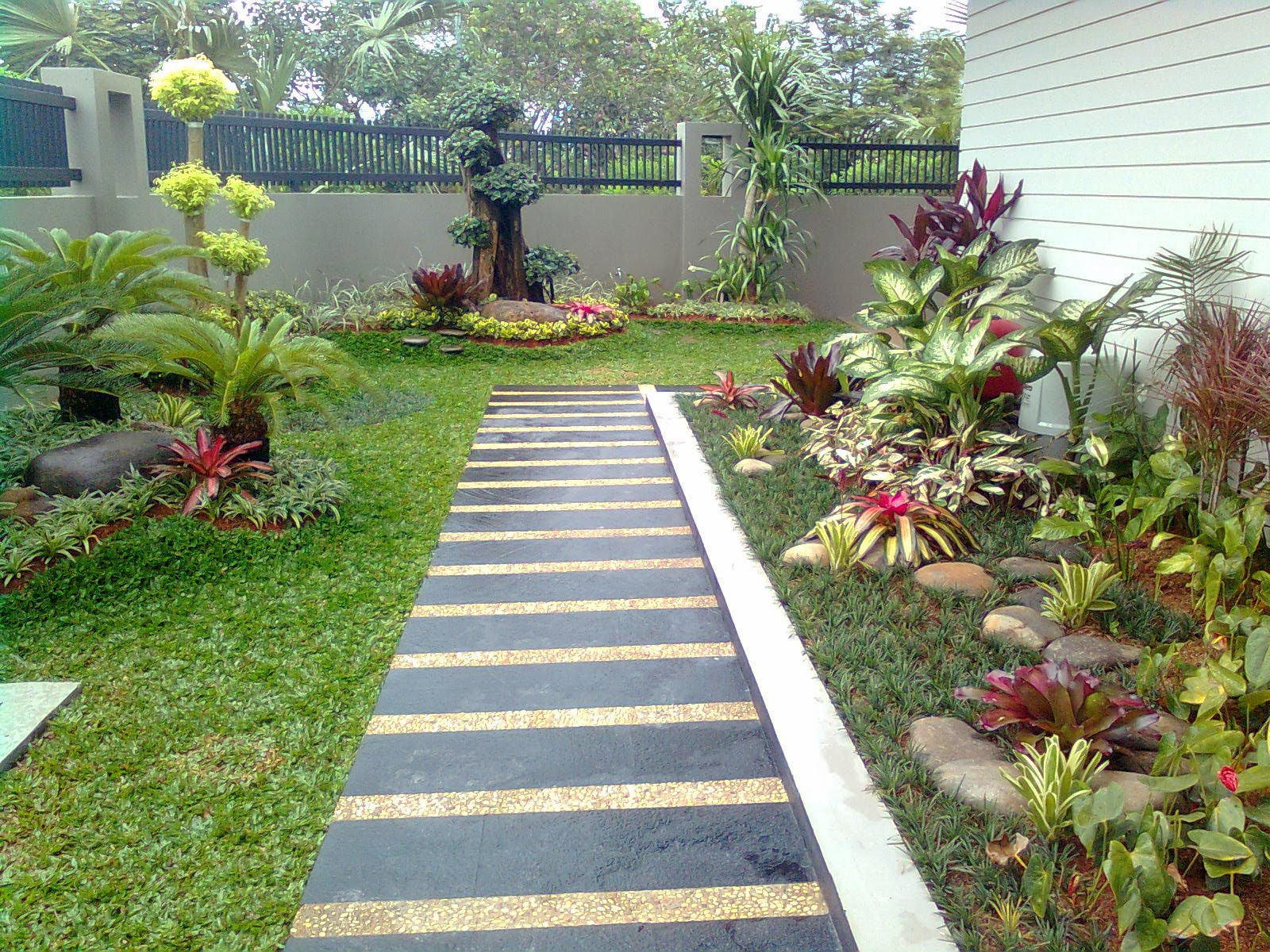 ART INDAH JAYA Desain Landscape Jakarta Tukang Taman Jakarta
