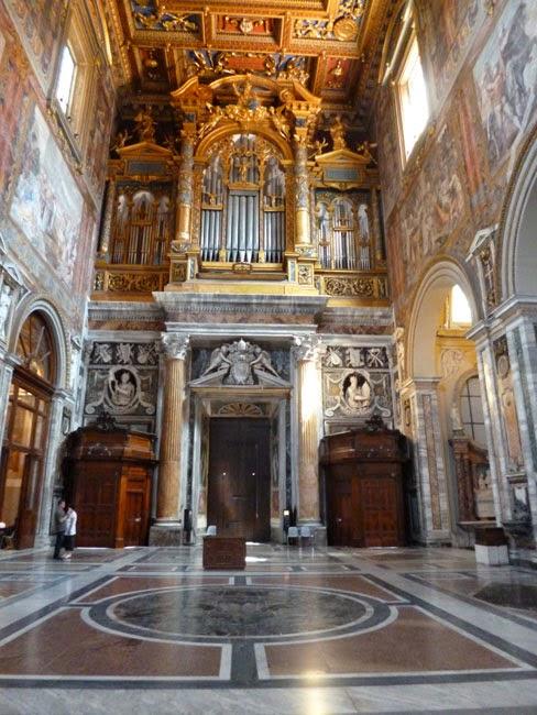 Guia de Turismo: visite Roma a catedral com uma guia que fala portugues!