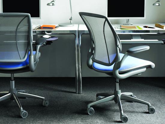 Podio seleccionando la mejor silla para trabajar for Sillas para trabajar
