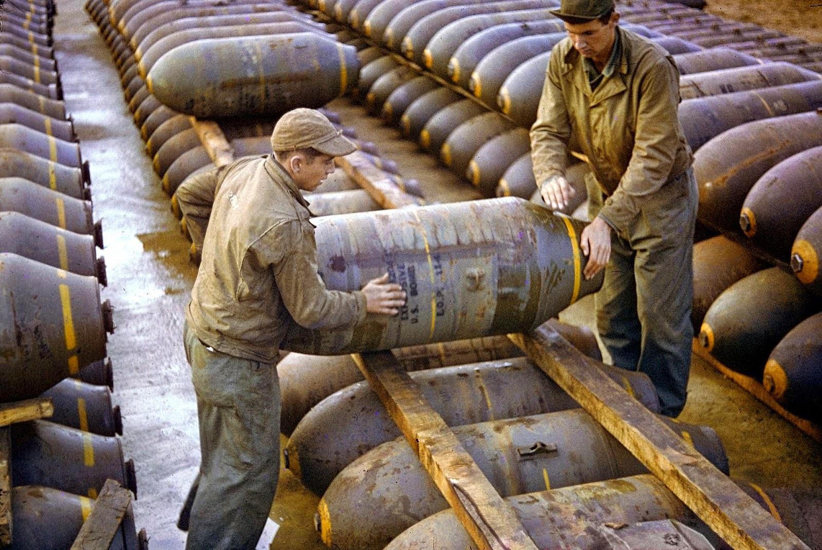 http://1.bp.blogspot.com/-oNT__Ic6HT4/VLaZvK5KGGI/AAAAAAABOJw/SFUNZaAJLQM/s1600/Rare+Color+Photographs+from+World+War+II+(10).jpg