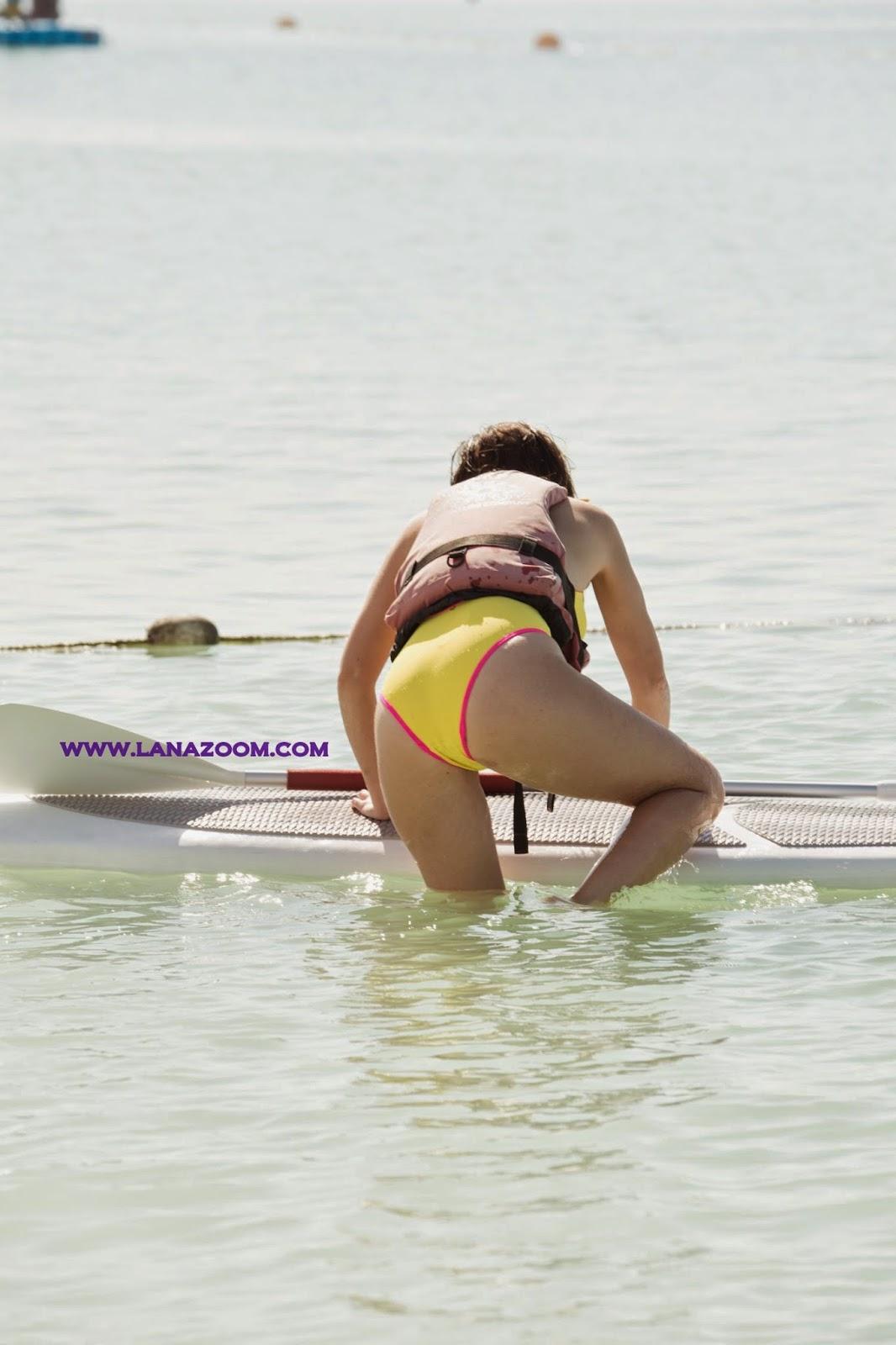 صور الجميلة ايموجين توماس بملابس السباحة في أبوظبي